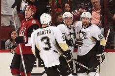 Phil Kessel celebrates his first goal as a Penguin in a 2-1 loss to the Arizona Coyotes on October 10, 2015