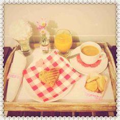 Breakfast in bed, cafe na cama, romantic, romantico.