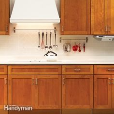 No one wants a dirty, smelly kitchen. Make yours sparkle and smell great with these simple cleaning tips.