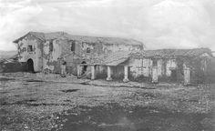 1870 photo of San Fernando Mission.