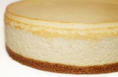 La Cuisine de Bernard: Le Cheesecake If it tastes as good as it looks,I'm in trouble! Dessert Aux Fruits, My Dessert, Cheesecake Brownies, Cheesecake Recipes, Great Desserts, Dessert Recipes, Gateau Cake, Cheesecakes, No Bake Cake