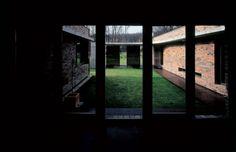 Patio with House / Ivanisin & Kabashi Arhitekti