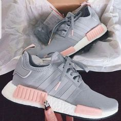Cozy 65 Best Comfy and Stylist Women's Sneaker You Must Use Right Now https://www.tukuoke.com/65-best-comfy-and-stylist-womens-sneaker-you-must-use-right-now-2550