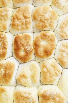 Easy, perfect, fluffy Knott's Berry Farm Buttermilk Biscuits from scratch! Biscuit Bread, Biscuit Recipe, Breakfast Biscuits, Breakfast Sandwiches, Breakfast Casserole, Best Homemade Biscuits, Homemade Rolls, Homemade Breads, Fluffy Biscuits