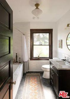Craftsman Bathroom, Modern Craftsman, Craftsman Interior, Craftsman Houses, Craftsman Kitchen, Craftsman Style Decor, Craftsman Living Rooms, Craftsman Style Interiors, Bungalow Bathroom