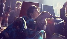 Kiwi music video Harry protecting a dog ❤️