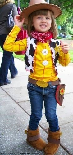Woody costume - cute idea for the birthday boy or girl at a Toy Story party (halloween dguisement garcon) Toy Story Party, Toy Story Kostüm, Festa Toy Story, Toy Story Birthday, 2nd Birthday, Birthday Ideas, Toy Story Shirt, Birthday Parties, Tea Parties