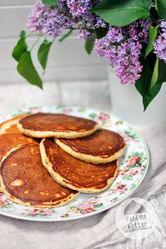 Feed Me Better: Odchudzone klasyczne pancakes. Pancakes, I Am Awesome, Good Food, Food And Drink, Wellness, Breakfast, Inspire, Foods, Fit