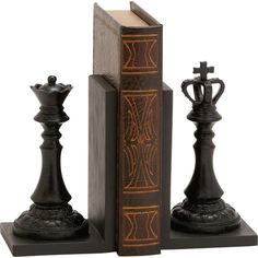 Highlight your library collection in style with this chess piece-themed bookend, the perfect addition to a study or kids' play room.