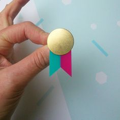 Mini medals are back this weekend @renegadecraft two colours!  #vsco #vscocam #brooch #broochoftheday #medal #acrylicjewellery #acrylicjewelry #renegadecraftfair #renegadelondon