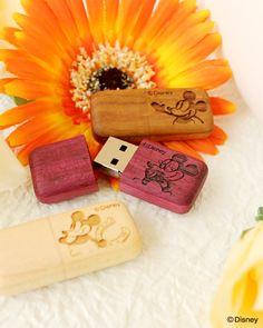 ディズニーキャラクターの刻印がかわいい木製USBフラッシュメモリ