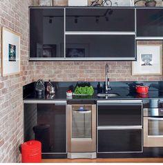 ideas for house vintage modern kitchen designs Aluminum Kitchen Cabinets, Aluminium Kitchen, Black Kitchens, Home Kitchens, Kitchen White, Kitchen Interior, Kitchen Decor, Sweet Home, D House
