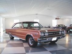 Classic pictures of a muscle car - 1967 Plymouth GTX Hemi Plymouth Muscle Cars, Dodge Muscle Cars, Chrysler Cordoba, Plymouth Gtx, American Muscle Cars, Car Pictures, Mopar, Vintage Cars, Super Cars