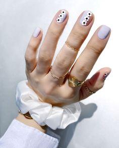 Nail Art Designs, Simple Nail Designs, Nails Design, Light Blue Nails, White Nails, Purple Nails, Hair And Nails, My Nails, Daisy Nail Art
