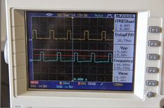 modified inverter waveform image in oscilloscope Diy Electronics, Electronics Projects, Vmax, Electronic Circuit Projects, Led Projects, Electronic Schematics, Menu, Sine Wave, Smart Home Automation