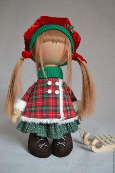 Peoples handmade.  Christmas doll.  Elena Korunova.  Online Store Fair Masters.  Green, winter hat