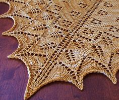"""This #freeknittingpattern for a lace shawl is right on time for the summer! Click the image to get your free instant download of the pattern and click """"Repin"""" if you are excited to start making your new lace shawl! #knitting #pattern"""