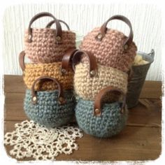 The simplest Crochet Wicker and basket models Crochet Diy, Crochet Home, Love Crochet, Crochet Crafts, Yarn Crafts, Crochet Projects, Crochet Bags, Crochet Stitches, Crochet Patterns