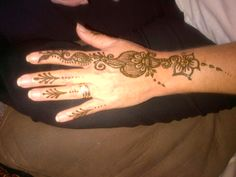 basic mehndi pattern R40.00