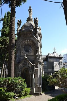 Cementerio de la Recoleta, Buenos Aires, Argentina Most Beautiful Cities, Beautiful Places To Visit, Oh The Places You'll Go, Art Nouveau Arquitectura, Baja California, Cemetery, South America, Travel Inspiration, Barcelona Cathedral