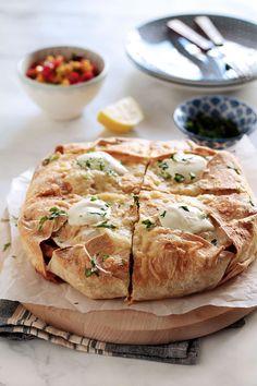 Πίτα fajitas με κοτόπουλο - The one with all the tastes Yams, Greek Recipes, Food Porn, Food And Drink, Appetizers, Pie, Cooking Recipes, Yummy Food, Bread