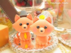 Pomeranian cake toppers.  Excessive?  Maybe, but I don't care!