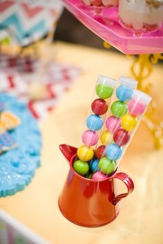 Cute gumball party favors. I looked everywhere for these type of containers for the gum.