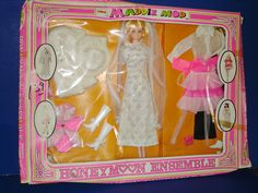 Maddie Mod Doll HONEYMOON ENSEMBLE Gift Set #2 1970 MEGO Barbie Competitor