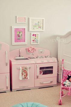 kid kitchen, little girls, momtog diari, toddler girls, kid rooms, pink kitchens, play kitchens, retro kitchens, girl rooms