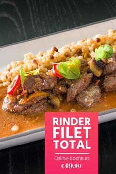 """Filetspitzen Stroganoff mit Fregola Sarda aus unserem Online-Kochkurs """"Rinderfilet total"""". Im Video zeigt Haubenkoch Georg Essig, wie du das Rinderfilet richtig zerlegst und welche verschiedenen Zubereitungsarten es gibt. Da wird nicht nur ein Steak perfekt!"""
