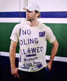 Ryan Kesler, idling. Hot Hockey Players, Hockey Teams, Ryan Kesler, Ugly Men, Vancouver Canucks, Nhl, Passion, Eyes, Heart