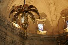 Escenario vertical o aéreo, es la llamada mangrana o tramoya, que se instala en la cúpula de la iglesia y que durante las representaciones de la Festa, simboliza el cielo. #tramoya  #tenor