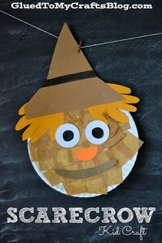 Scarecrow {Kid Craft} - What a fun way to celebrate fall! Wouldn't these be adorable on bulletin boards or as a classroom door decoration?!