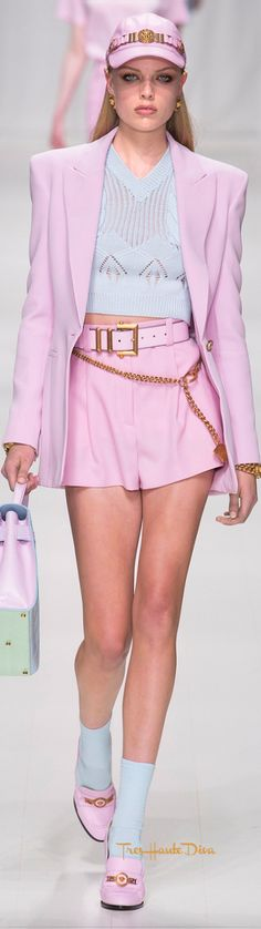 Versace Spring 2018 RTW #MFW #ss18 pink short suit