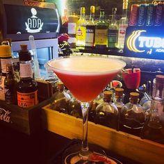 #campari #sour #cocktail #mixology #bartender#cocktailsagram #alchemy #drinkporn#cocktailporn#instadrink