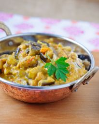 Eggplant and Chickpea Curry - Vegan - she cooks, she gardens - I added garam masala, aesofotida powder and it is yummy