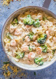 Skinny Garlic Shrimp & Broccoli Alfredo