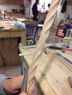 Ertuğrul Nuri Gökşen yapımı bastonlar, Çorum Handmade Walking Sticks, Hand Carved Walking Sticks, Wooden Walking Sticks, Walking Sticks And Canes, Walking Canes, Cane Stick, Stick Art, Wood Turning Projects, Wood Projects
