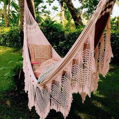 B O H E M I A N ☮ ❁ ғollow ↠ @ladyѕcorpιo101 ↞ on pιnтereѕт & ιnѕтagraм ғor мore ιnѕpιraтιon ☪ ☆ hammock outside, bohemian inspiration. The perfect Sunday spot!