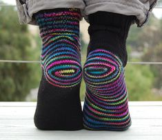 Curious Knitter: June 2011 - knitted and crocheted socks and shoes - Knitting Ideas Crochet Socks, Knitting Socks, Hand Knitting, Knit Crochet, Knit Socks, Fun Socks, Ravelry, Yarn Twist, Knitting Patterns