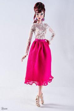 ELENPRIV fuchsia chiffon plisse midi skirt for Fashion royalty Color Infusion, NuFace and simila Barbie Fashion Royalty, Fashion Dolls, Barbie Dress, Barbie Clothes, Half Up Half Down Hair, Barbie World, Fashion Addict, Summer Collection, Midi Skirt
