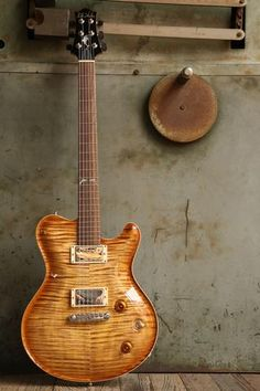 Nik Huber Dolphin II Exceptional Maple