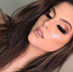 Salve a Imagem e Clique Maquiagem Perfeita: Curso de Maquiagem Online com Certificado! Nude Makeup, Sexy Makeup, Glam Makeup, Gorgeous Makeup, Bridal Makeup, Beauty Makeup, Makeup Looks, Hair Makeup, Hair Beauty