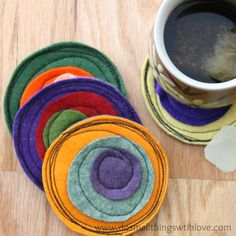 Cool Crafts You Can Make With Fabric Scraps - Crazy Coasters - Creative DIY Sewing Projects and Things to Do With Leftover Fabric and… Diy Sewing Projects, Sewing Crafts, Craft Projects, Felt Coasters, Drink Coasters, Fabric Coasters, Bee Crafts, Leftover Fabric, Felt Art