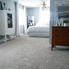 Discover ideas to aid you develop the perfect bedroom, including delicious luxury bedroom carpets as well as others more streamlined & modern-day for your best carpet. Best Carpet, Diy Carpet, Carpet Types, Plush Carpet, Grey Carpet Hallway, Hall Carpet, Carpet Trends, Carpet Ideas, Mindful Gray