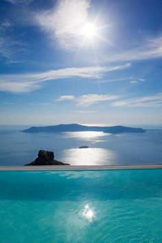La Maltese hotel infinity pool magnificently perched 250 metres above the waters of the Santorini caldera, Greece ✯ ωнιмѕу ѕαη∂у Places Around The World, Oh The Places You'll Go, Places To Travel, Travel Destinations, Places To Visit, Around The Worlds, Dream Vacations, Vacation Spots, Disney Vacations