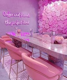 Your favourite brunch spot in London, EL&N Cafe has now launched an online store! Bakery Interior, Salon Interior Design, Home Interior, Beauty Room Decor, Beauty Salon Decor, Beauty Bar, Boutique Decor, Boutique Interior, Nail Salon Decor