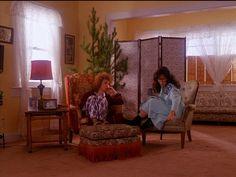 Maddie explains her dream to Laura's Mom, Sarah Palmer.