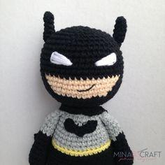 Batman Amigurumi - Minasscraft Amigurumi pattern Best Picture For batman que ri For Your Taste You a Lego Batman, Batman Free, Crochet Art, Crochet Toys, Half Double Crochet, Single Crochet, Batman Amigurumi, Crochet Batman, Minion Pattern