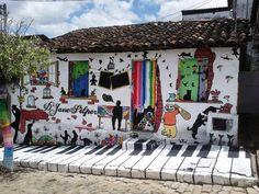 Street art Brazil happy and colorful Jazz Art, Wow Art, Naha, Street Art Graffiti, Graffiti Murals, Chalk Art, Akita, Public Art, Belle Photo